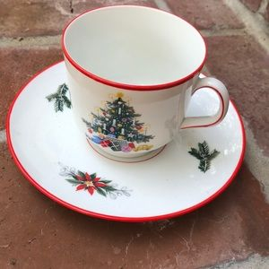 Other - Christmas cup & saucer (55)